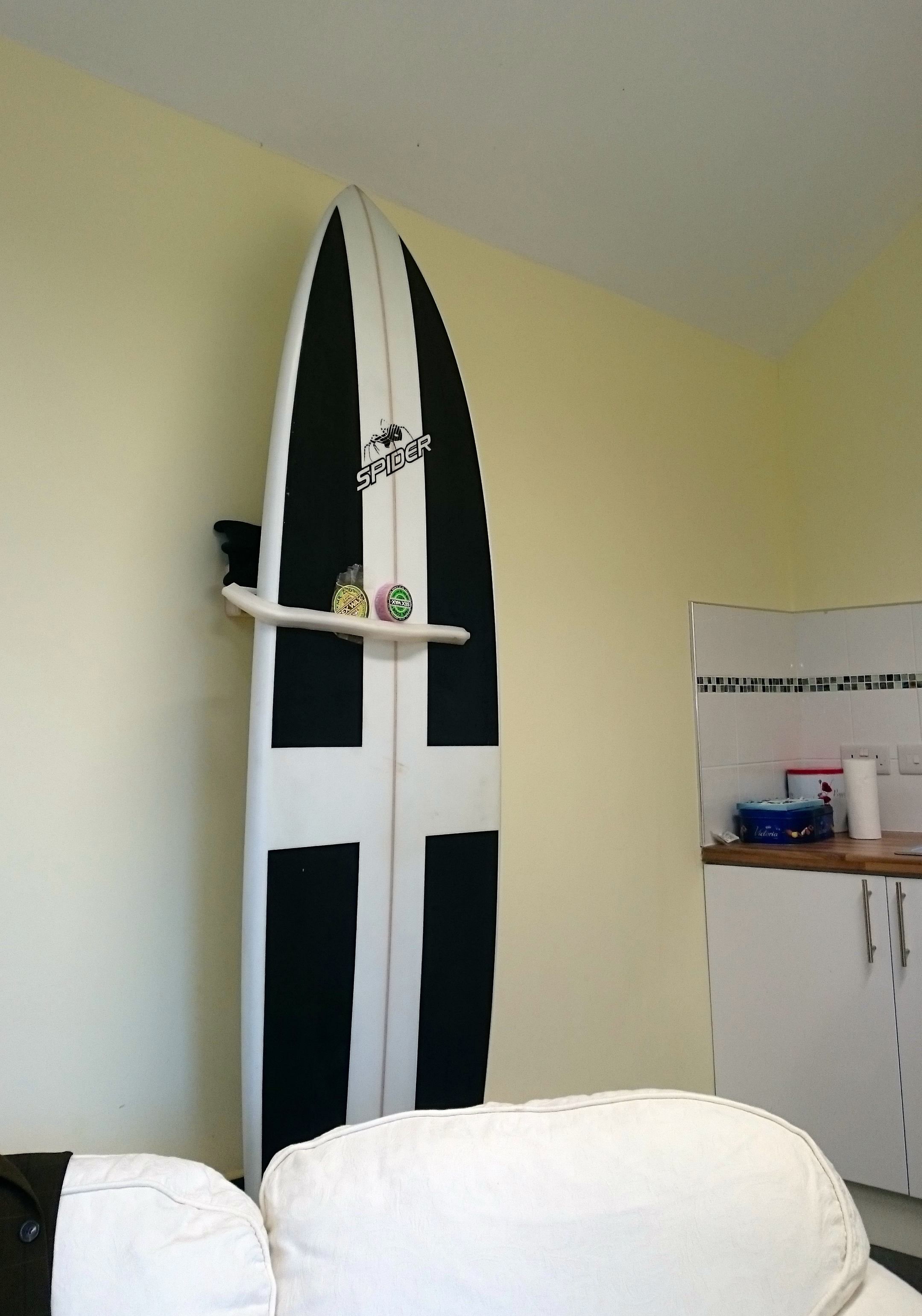 Pro Surfboard Mount For Hanging Your Surfboard As A Wall
